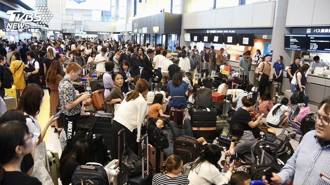 圖/達志影像路透社 逾萬人留宿日本成田機場 外國客盼改善應變能力