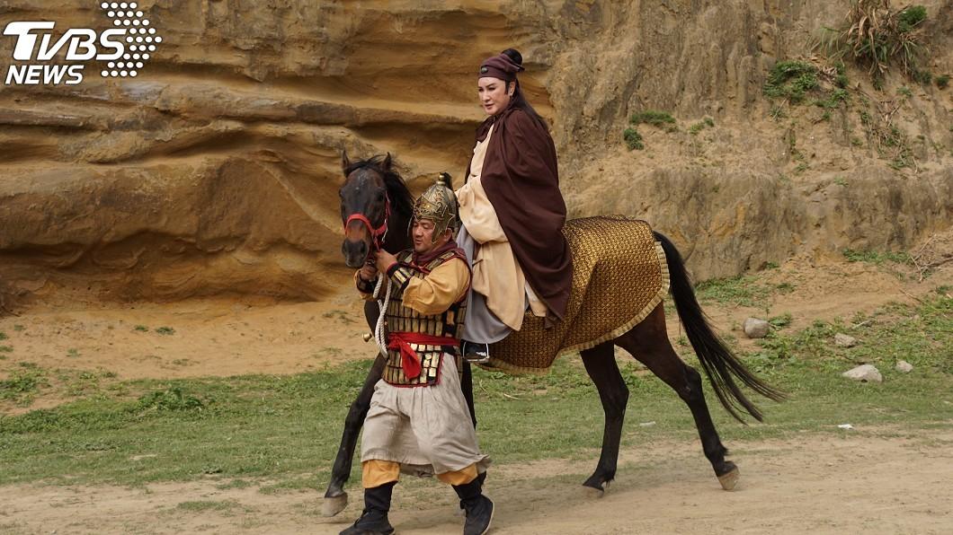 圖/麗生百合提供 驚!74歲楊麗花拍戲「意外墜馬」 陳亞蘭還原過程