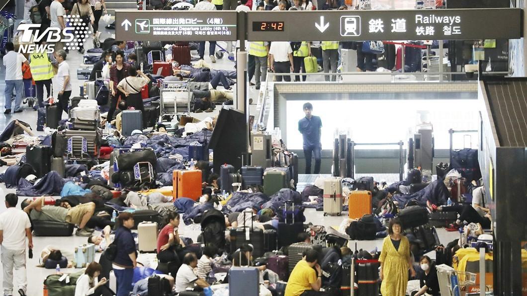 圖/達志影像美聯社 「法西」強風斷交通 成田機場如「陸上孤島」