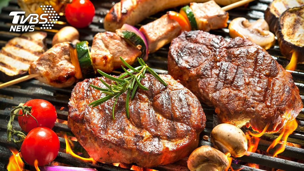 烤肉配什麼蔬菜最對味?示意圖/TVBS 烤肉配什麼蔬菜最對味? 鄉民狂推「必吃組合」