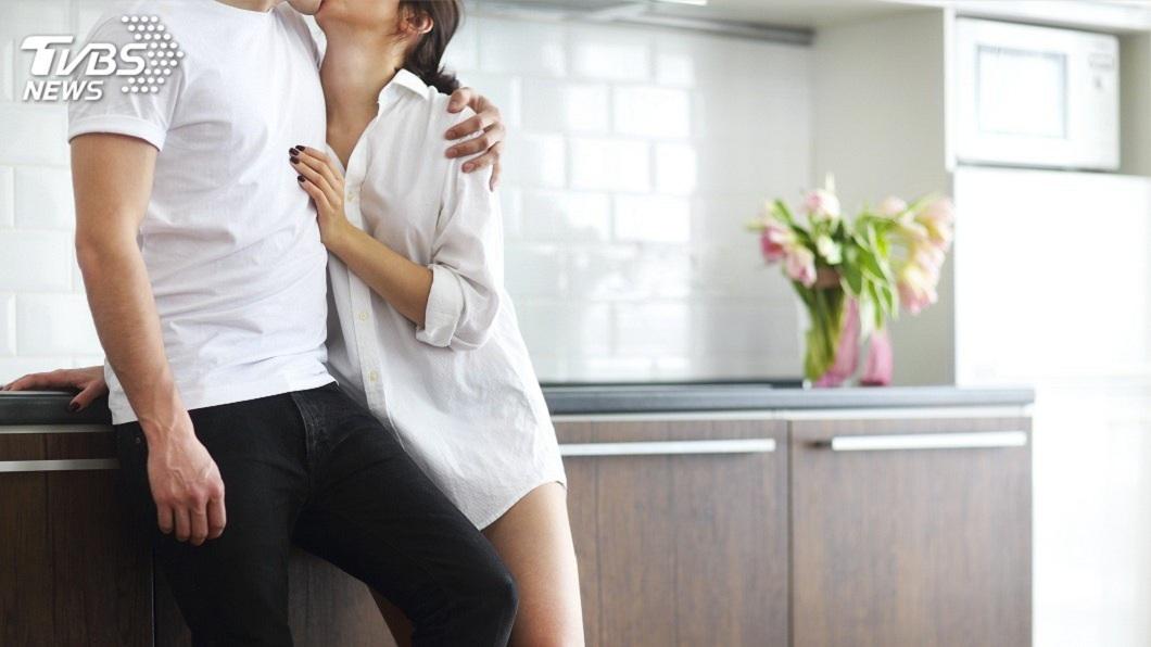 男女交往真的是身高不是距離嗎?有些長輩還是會介意。(示意圖/TVBS) 帶女友回家…母嫌155太矮影響下一代 男:我才169