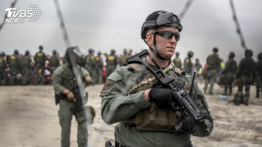 圖/達志影像美聯社 對抗非法移民 五角大廈:美墨邊界維持5500部隊