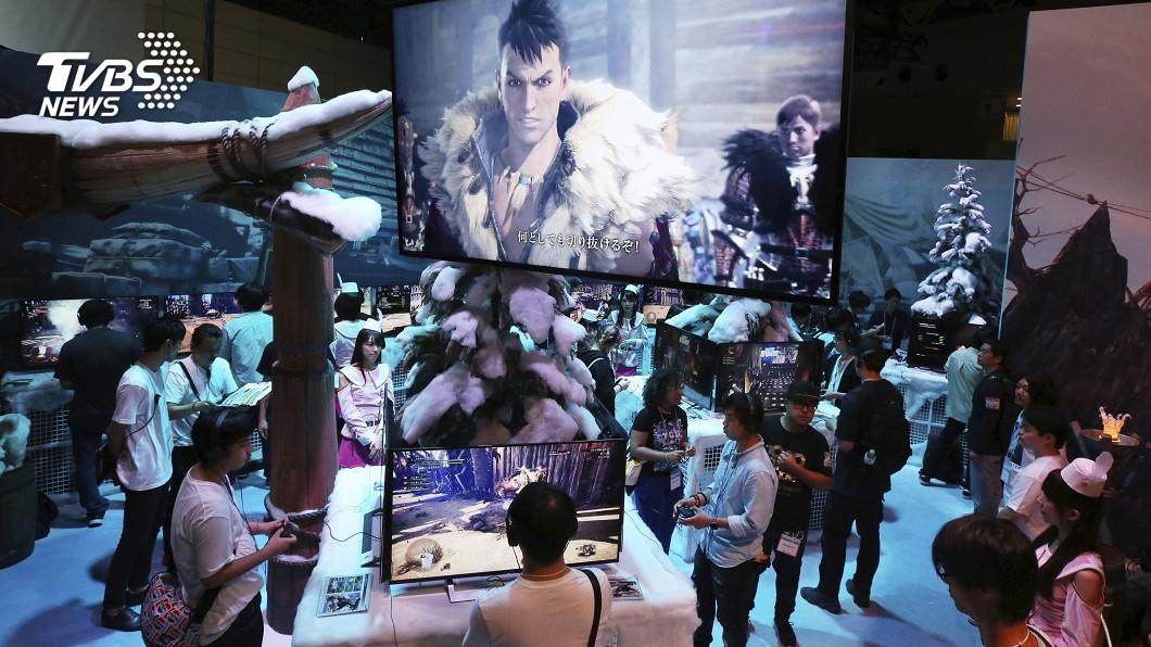 圖/達志影像美聯社 人龍7、太空戰士7 新遊戲集結東京電玩展