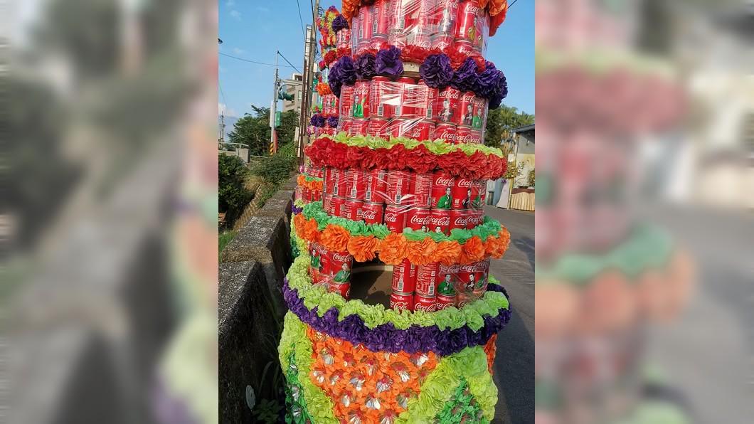 罐頭塔被偷挖。圖/翻攝爆怨公社臉書 「罐頭塔」未出殯就被偷挖 喪家怒:有那麼渴嗎?