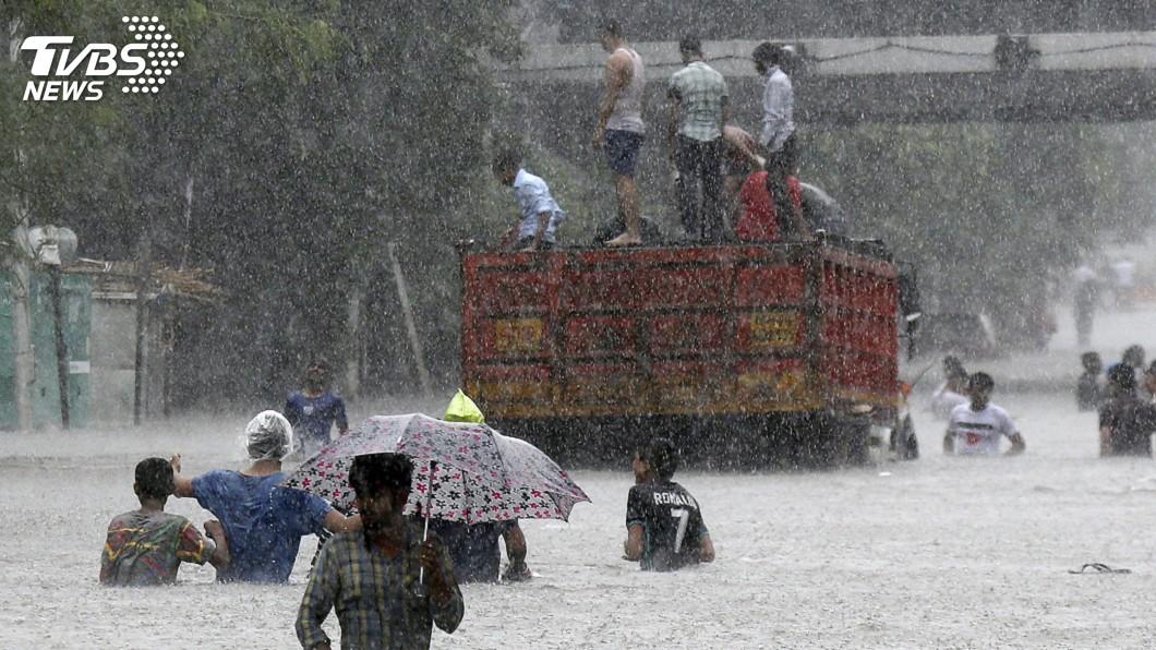 圖/達志影像美聯社 印度極端降雨次數較2018年倍增 至少1422人喪命