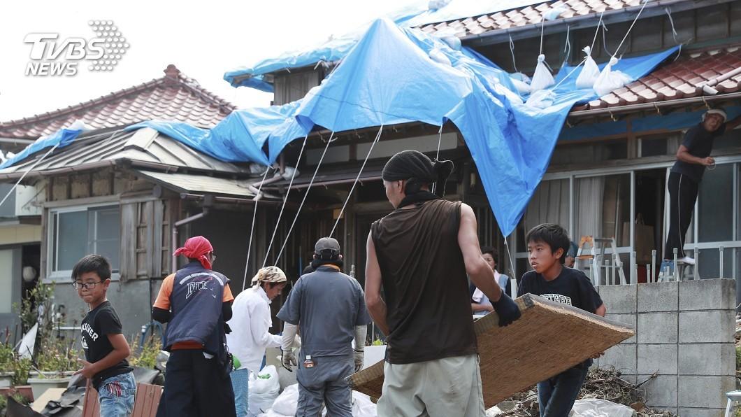 圖/達志影像美聯社 颱風過仍待重建 千葉暴雨民宅淹民眾叫苦