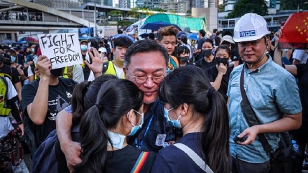 圖/翻攝自葉奇事微博 韓星直擊反送中現場 「盼南韓看見香港現況」
