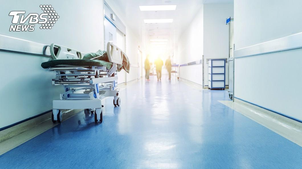 原PO在醫院撞見感動的一幕。示意圖/TVBS 醫院一幕超暖心! 網友感動:值得愛她一輩子