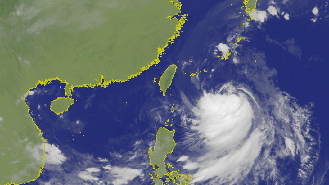 圖/中央氣象局 濕冷!塔巴颱風外圍環流掃台 「2地區」越晚雨越大