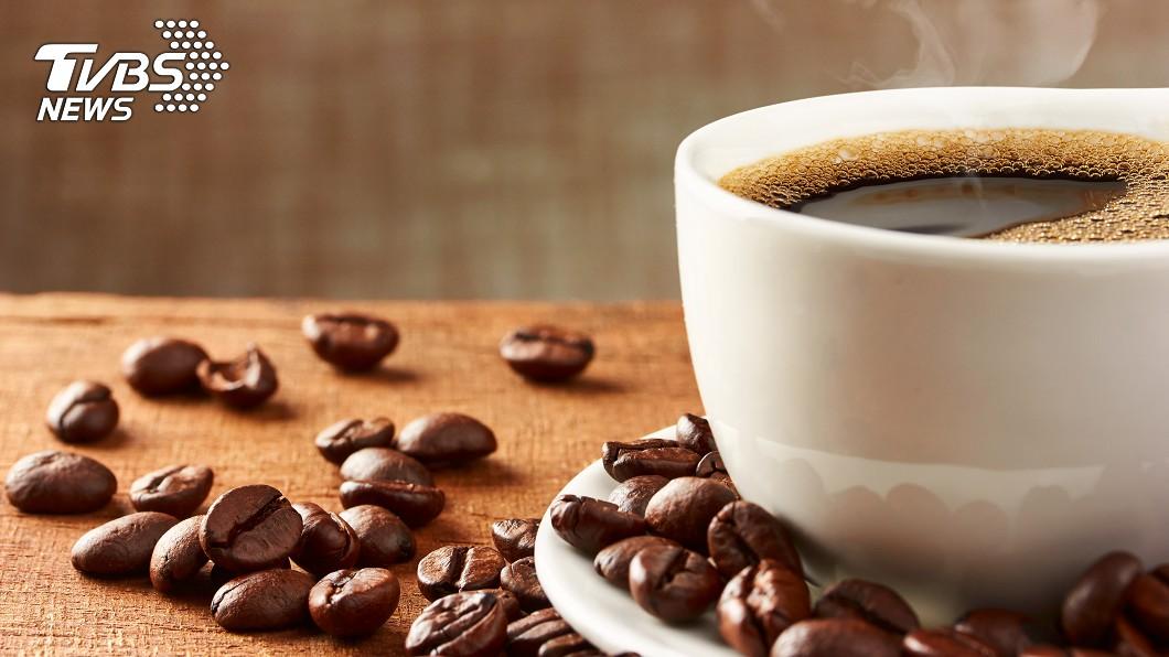 示意圖/TVBS 就愛喝咖啡!醫:2種人是禁忌族群 看「舌頭」判斷