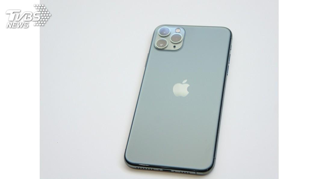 圖/中央社 蘋果iPhone 11買氣旺 「夜幕綠」新色恐缺貨