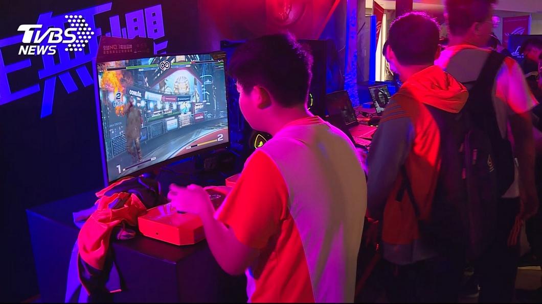 圖/TVBS 快訊/電競加持!電玩市場崛起 年產台幣4.6兆