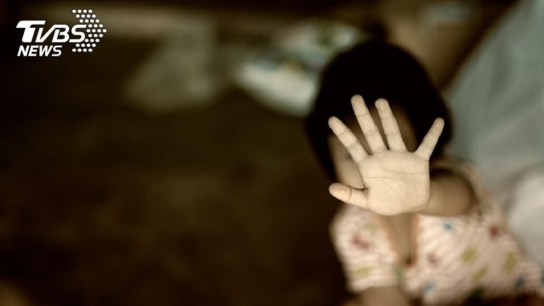 非當事人。示意圖/TVBS 4少女狠虐哭鬧女童 母返家見瀕死女兒崩潰