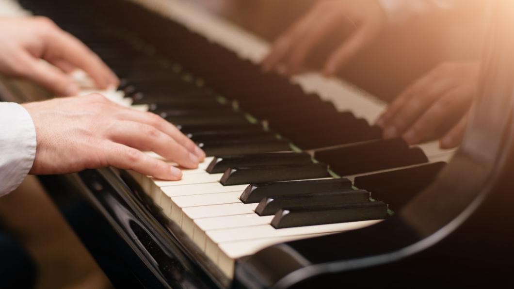 示意圖/TVBS 全球首位「無掌」孤兒鋼琴家! 逆境求生故事賺人熱淚