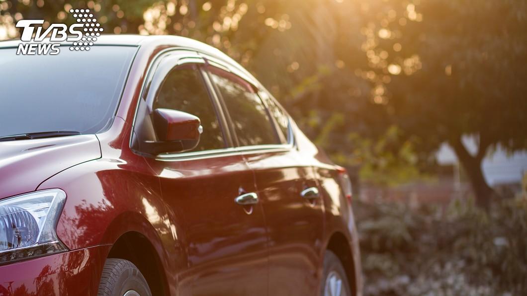 老婆的姊姊把名下1輛中古車過戶給原PO。示意圖/TVBS 硬塞中古車!人夫換新遭嗆「只是借你」 網:免錢的最貴