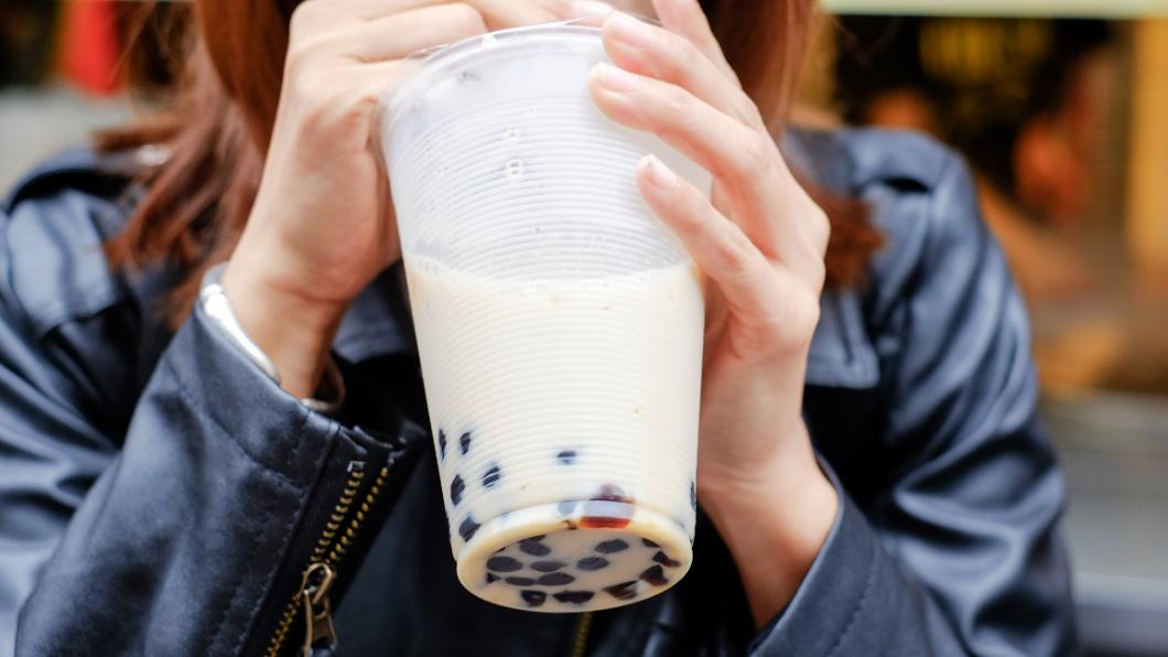 示意圖/TVBS 奶茶甜食當正餐吃! 男「血糖爆表」昏迷險喪命
