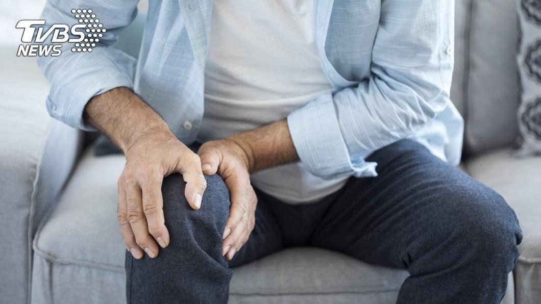 膝蓋痛示意圖/TVBS 易胖又易關節疼痛 小心你是「年輕化肌少症」