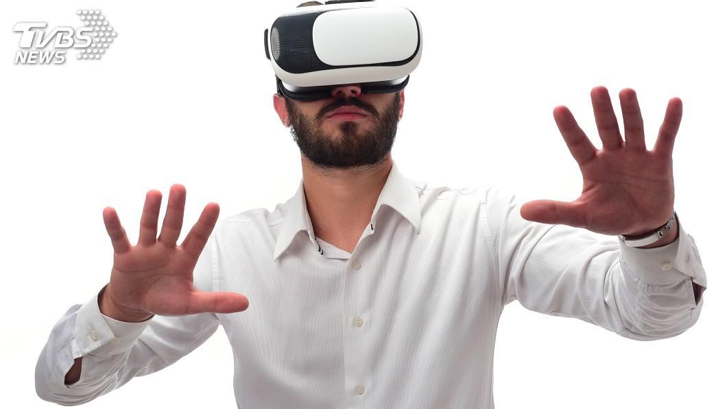 示意圖/TVBS 設計師3年瘦40kg VR健身房遊戲中運動