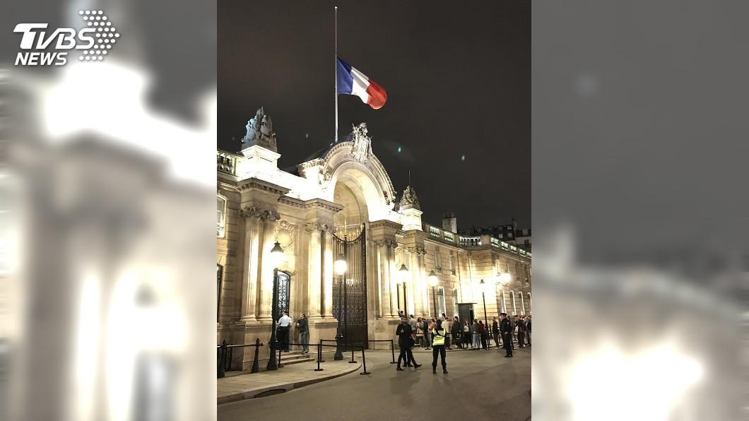 圖/中央社 法國人悼念前總統席哈克 最難忘他親民特質