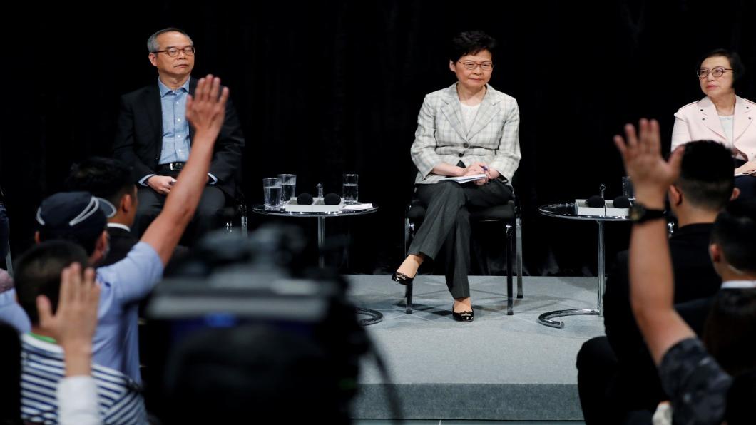 圖/達志影像路透 與民對話2.5小時 香港特首堅拒五大訴求