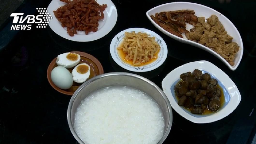 稀飯是不少人愛吃的早餐種類之一。(示意圖/TVBS) 絕配!冷稀飯搭配肉鬆吃 老饕狂讚:人間美味