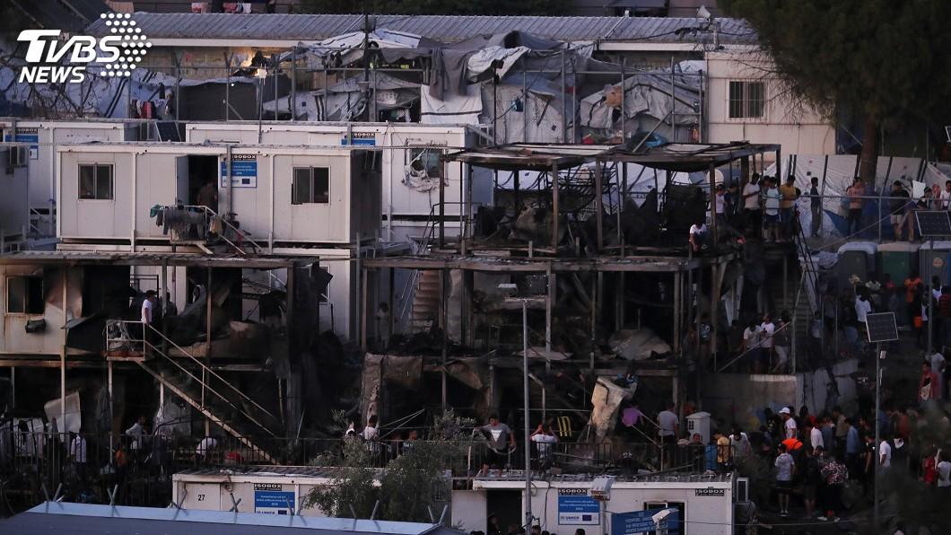 圖/達志影像路透社 希臘島嶼難民營大火至少釀2死 移民暴動