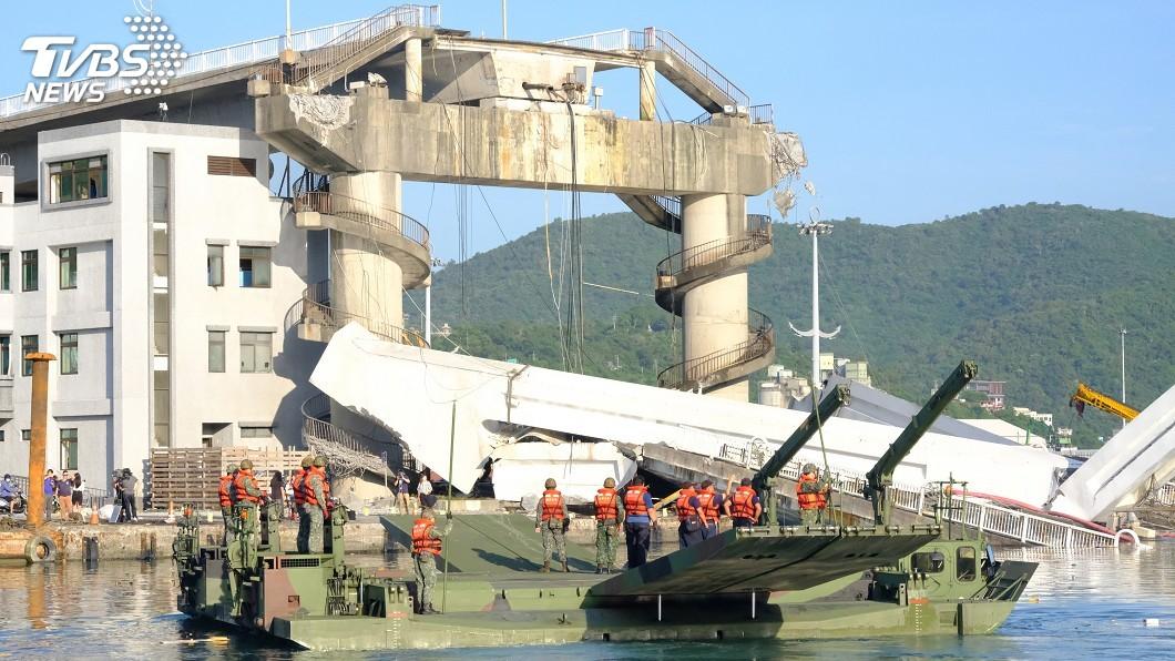 圖/中央社 南方澳大橋坍塌 林佳龍:船體切割清出水道