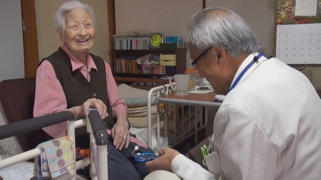 圖/公視主題之夜 提供 真實聚焦逾八旬醫生 仁心陪伴病患「在家臨終」