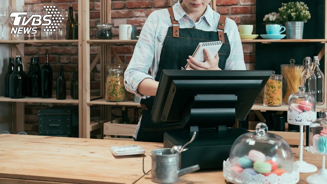 從事服務業真的相當辛苦。示意圖/TVBS 店員多問2次「甜度冰塊」…男客人不滿怒砸飲料