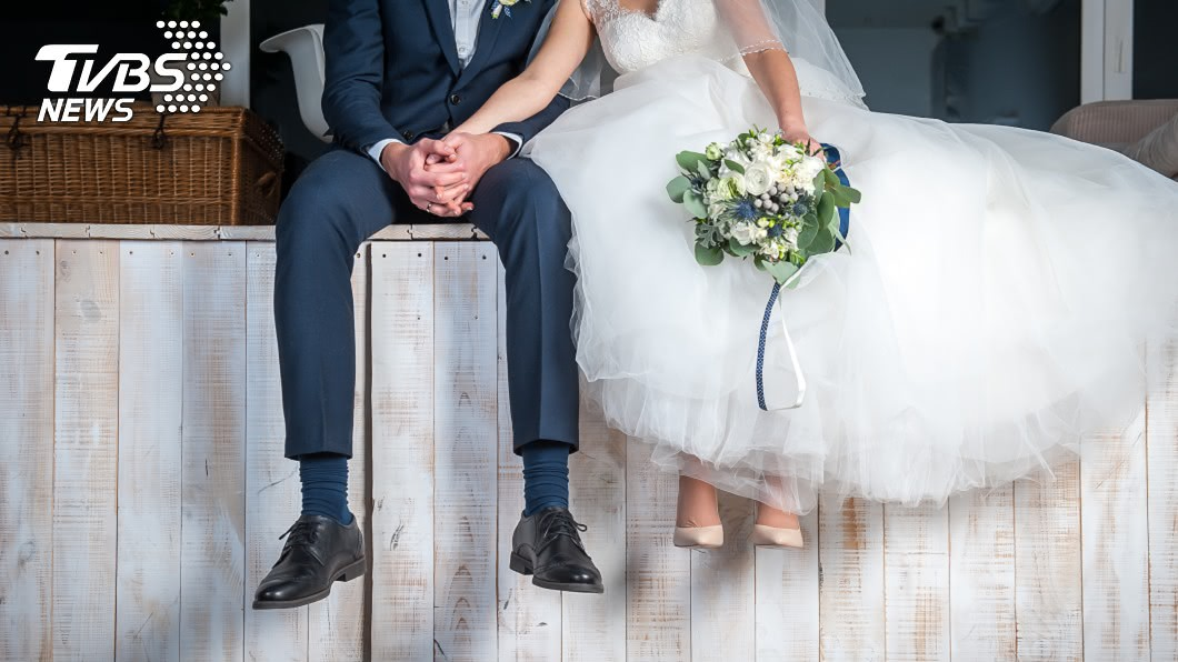 婚禮對於許多男女來說,都是屬於自己一生難忘的回憶。(示意圖/TVBS) 兒婚禮父堅持高歌幾曲 他婉謝被嗆:我朋友紅包包得多