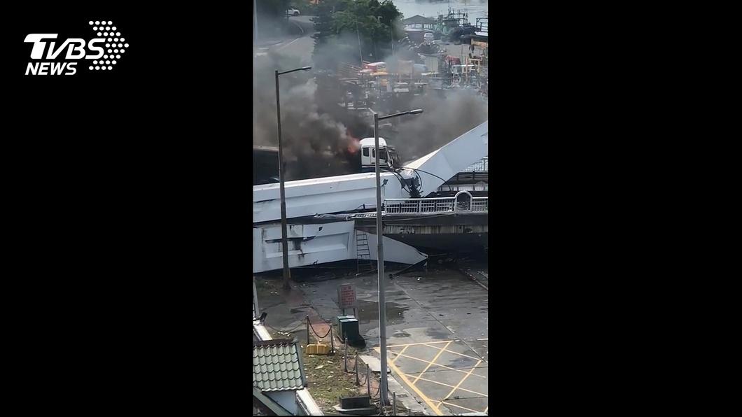 圖/TVBS 油罐車司機傷勢穩定 女兒還原墜橋經過
