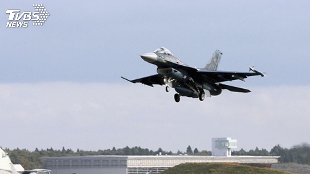 圖為F-2同款戰機。示意圖/達志影像路透社 日本F-2戰機誤入跑道 民航機拉高重飛平安降落