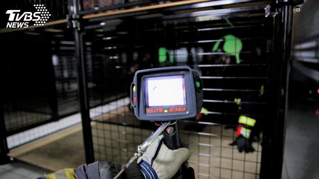 圖/消防局提供 北市添購紅外線熱顯像儀 減少消防員受傷機率