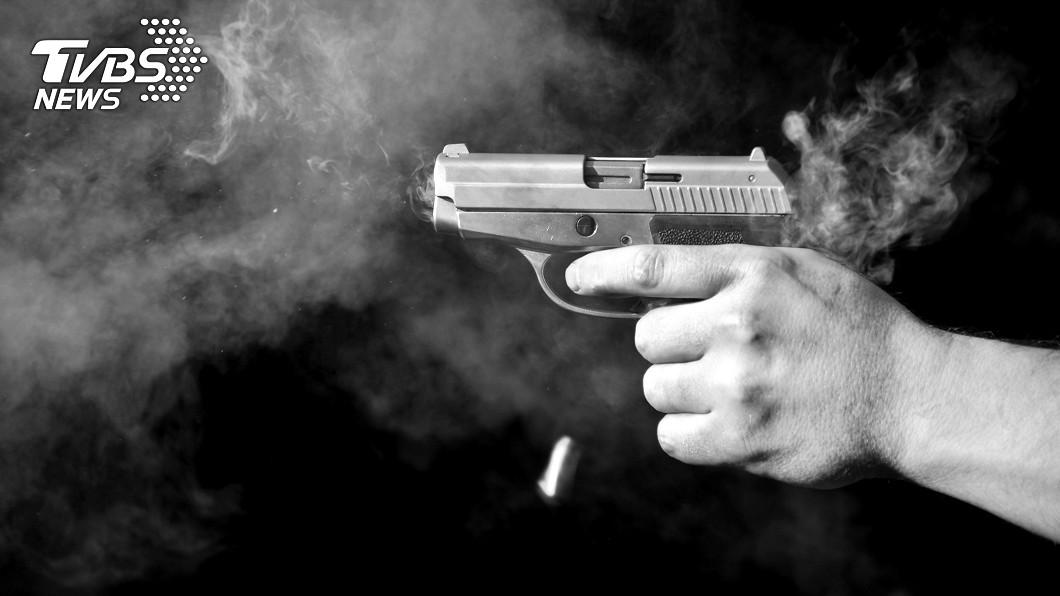 示意圖/TVBS 女婿設計生日驚喜「黑暗中跳出來」 被岳父1槍射死