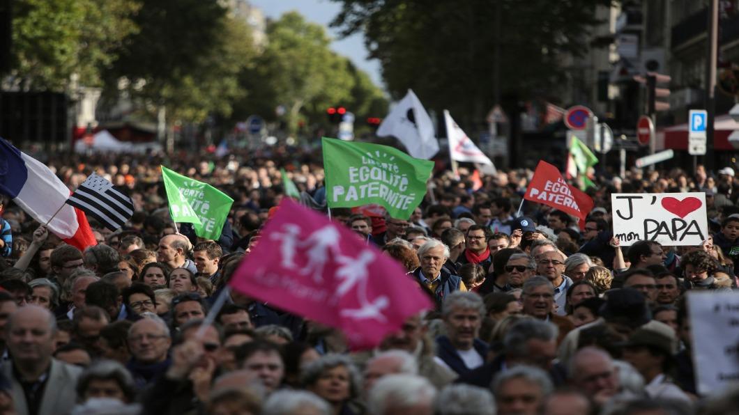 圖/達志影像美聯社 保守派巴黎抗議 反對無父親人工生殖