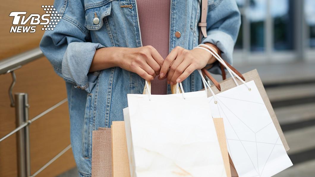 示意圖,與本事件人物無關。圖/TVBS 連假購物小心防竊 北市警公布扒手4手法