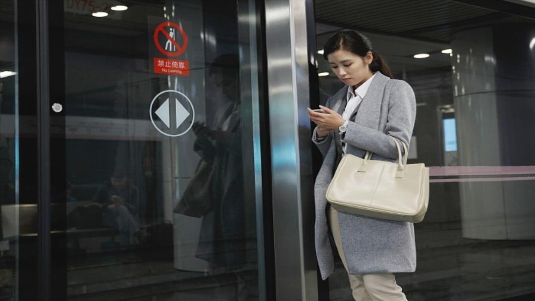 示意圖/達志影像 不要再傳簡訊了!日本推下班「失聯權」