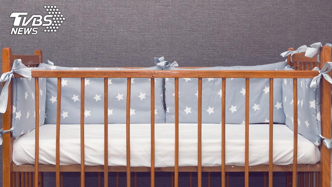 示意圖/TVBS 7月女嬰獨睡窒息 兇手竟是「防撞護墊」