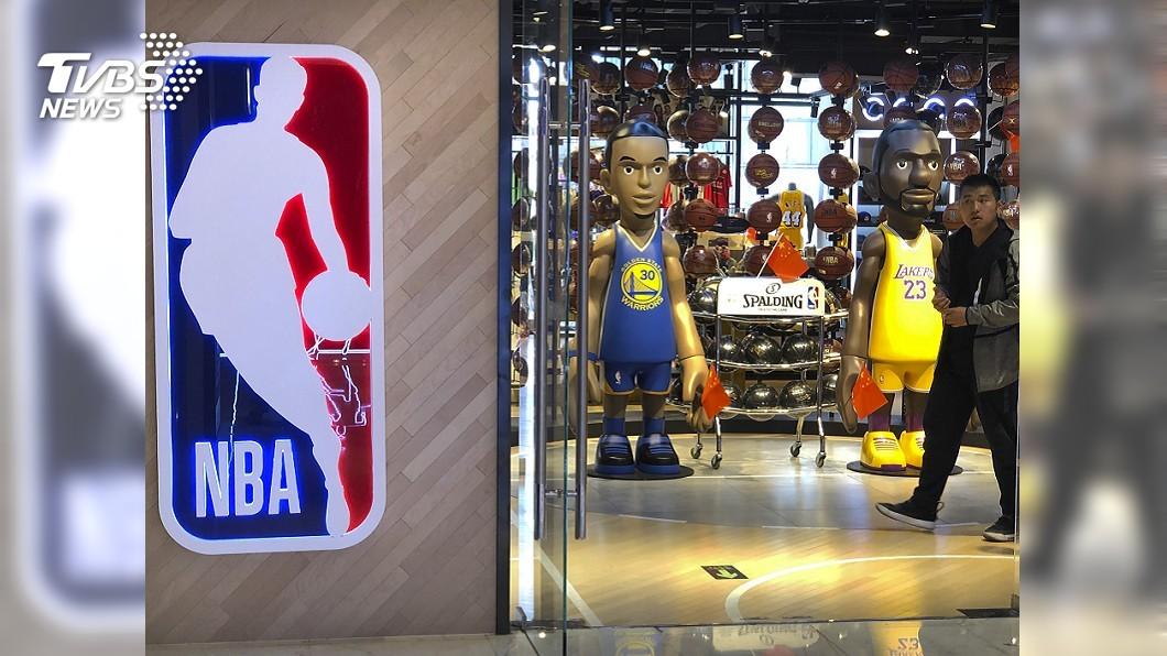 火箭隊「被消失」 NBA北京旗艦店商品全下架