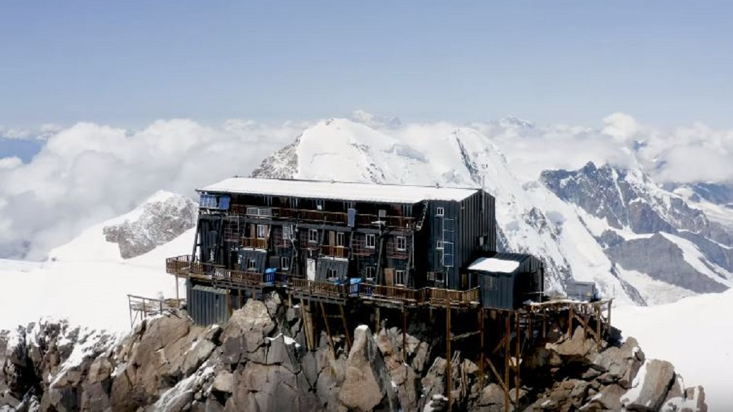 圖/翻攝自 Financial Times YouTube 海拔4554公尺! 全歐最高旅館俯瞰銀白世界