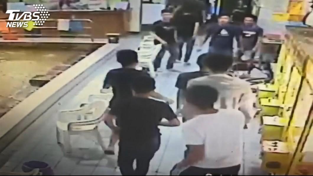 台南掃蕩「陸橋幫」 砸釣蝦場恐嚇10人落網