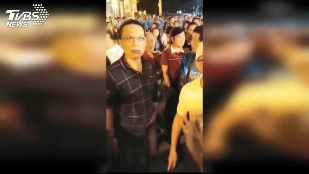 不滿舉罷韓標語! 支持者怒嗆護航韓國瑜