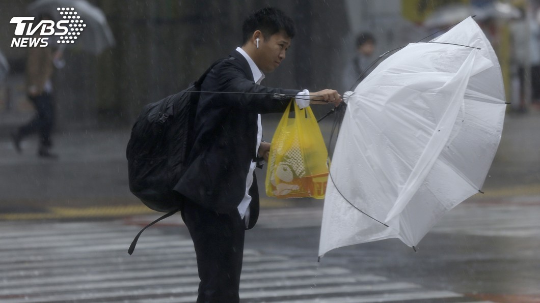 圖/達志影像美聯社 「哈吉貝」撲日、已在靜岡登陸 各地淹水災情頻傳