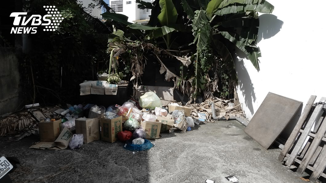 圖/中央社 台東取締亂丟垃圾 檢舉達人領走210萬獎金