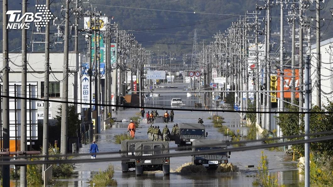 圖/達志影像路透社 颱風哈吉貝致災 日部分企業工廠泡水停工