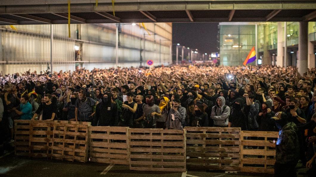 圖/達志影像美聯社 加泰隆尼亞9獨派領袖判刑 爆警民衝突