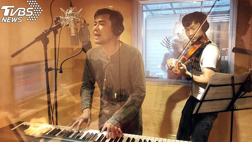 圖/艾迪昇提供 命定6年男男情?歌手重逢學弟「註定一起」