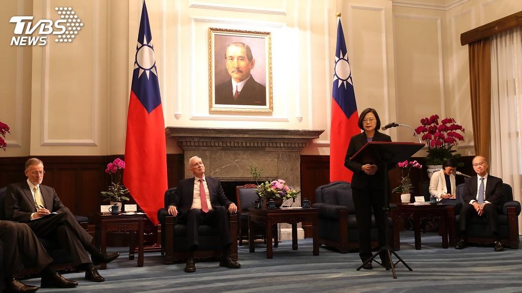 圖/中央社 接見AIT主席莫健 總統:速洽簽台美貿易協定
