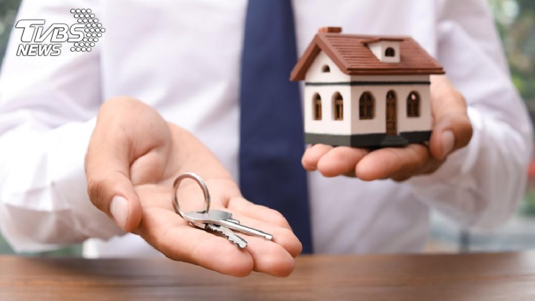 年輕人買房陷入困境。示意圖/TVBS 工作5年買不起房 教師嘆:建立溫暖的家好難