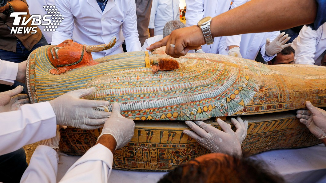 圖/達志影像路透社 3000年前古埃及木乃伊 30具「開棺」完好現身